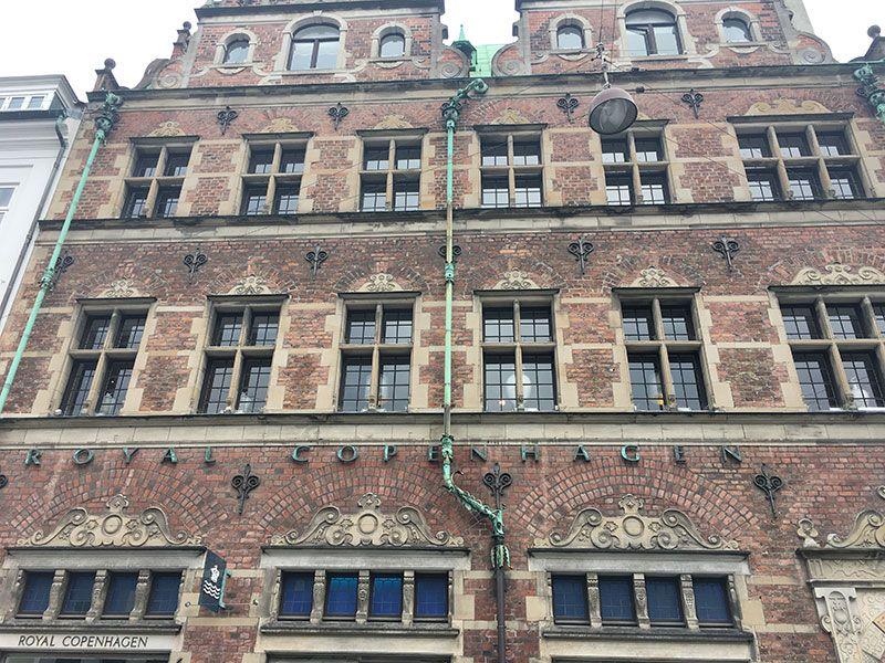 Experiencias y sensaciones en Copenhague - Fachada del Royal Copenhaguen