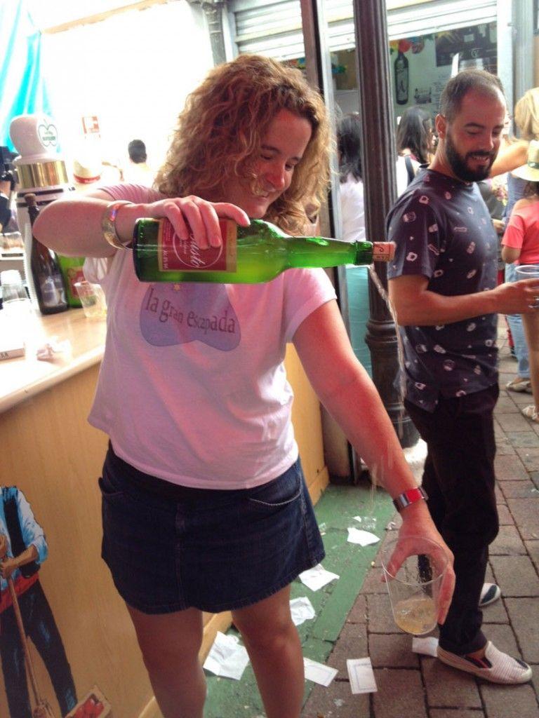 Feria de Albacete - Escanciando sidra