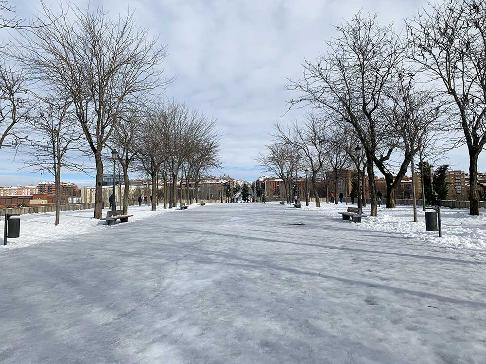Madrid Río convertido en pista de hielo
