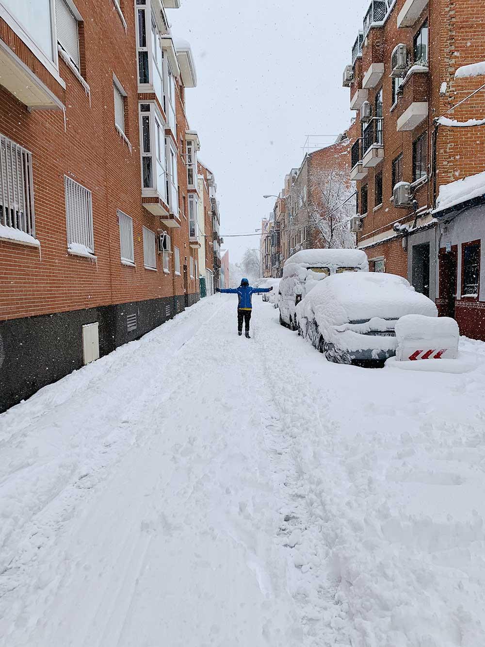 Calle nevada en Madrid