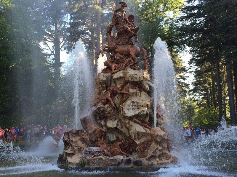 Fuente de La Fama encendida - Fuentes de La Granja