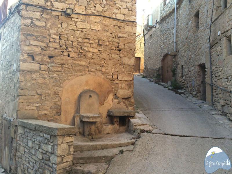 Fuente en una calle de Guimerà