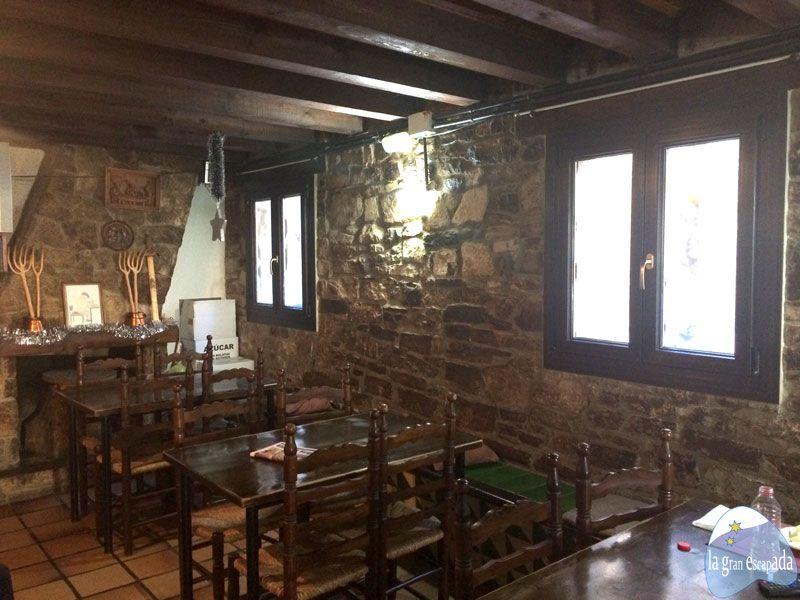 Interior del restaurante Sant Jordi de Guimerà
