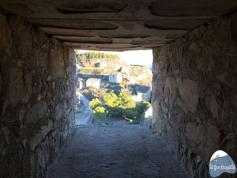 Vistas de Guimerà desde una de las ventanitas de la torre de vigía del castillo