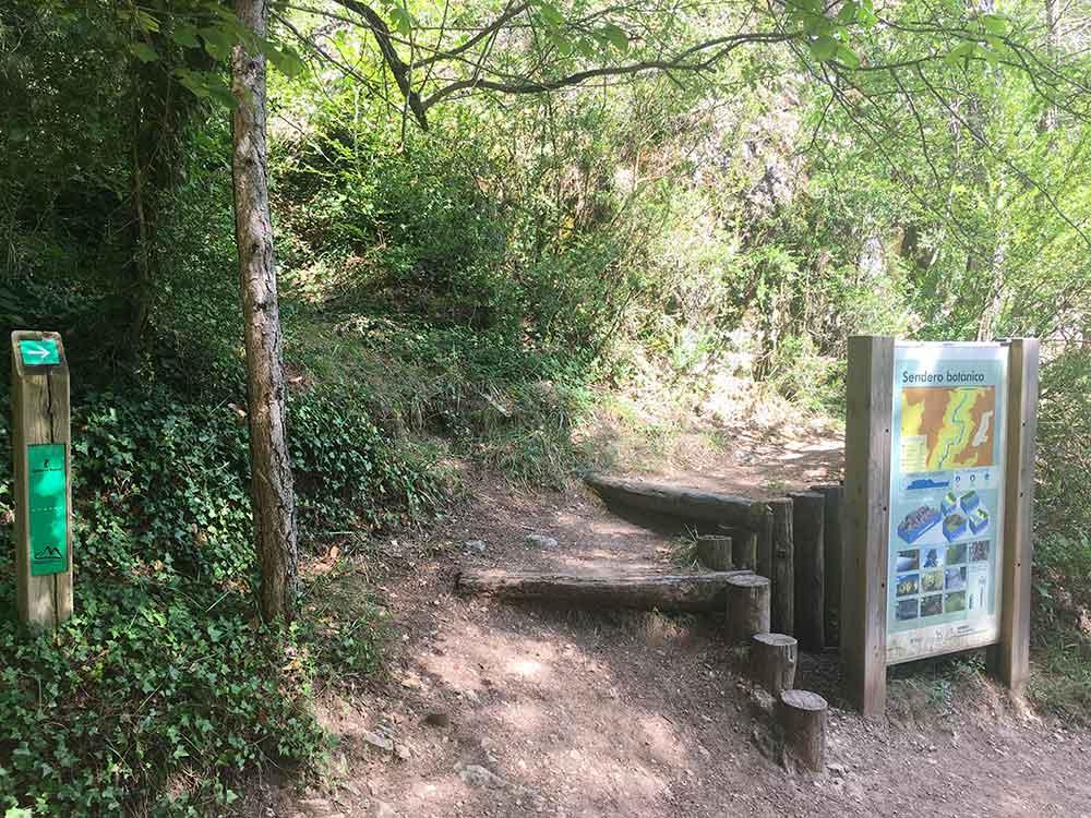 Hoz de Beteta y sumidero de Mata Asnos - Inicio del Paseo Botánico