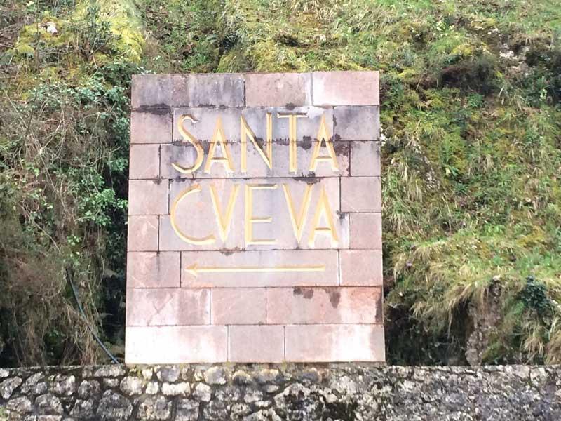 Indicaciones de acceso a la Santa Cueva