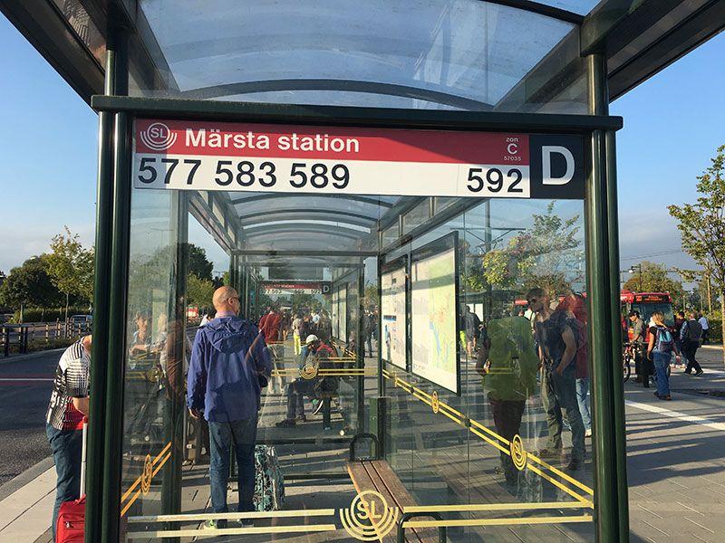 Cómo ir del aeropuerto de Arlanda al centro de Estocolmo - Transporte público - Andén de Märsta Station