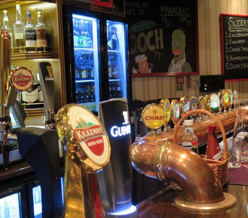 Barra del restaurante bar Bishops Arms en Kiruna