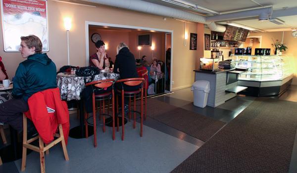 De tapas y bares en Kiruna - Ambiente en el Restaurant Pizzeria Palladium