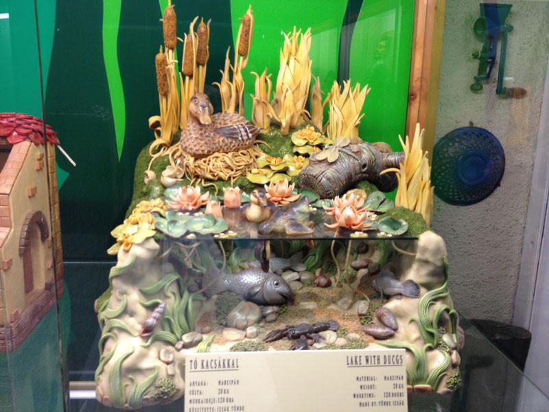 El lago de los patos hecho con mazapán