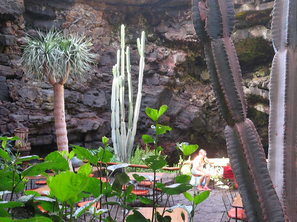 Decoración interior de los Jameos del Agua