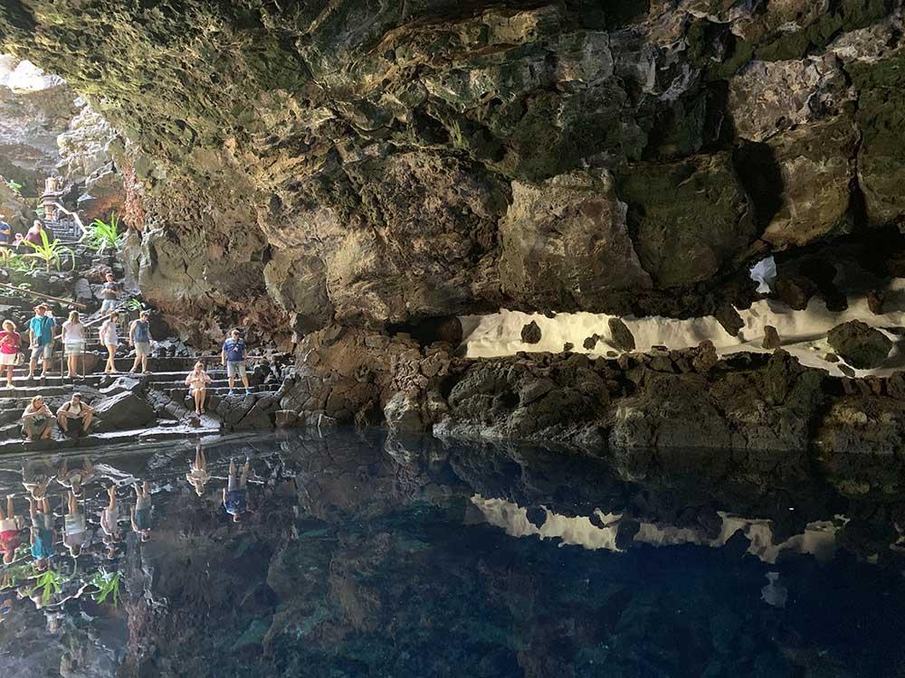 Lanzarote - César Manrique y Jesús Soto - Laguna interior en los Jameos del Agua