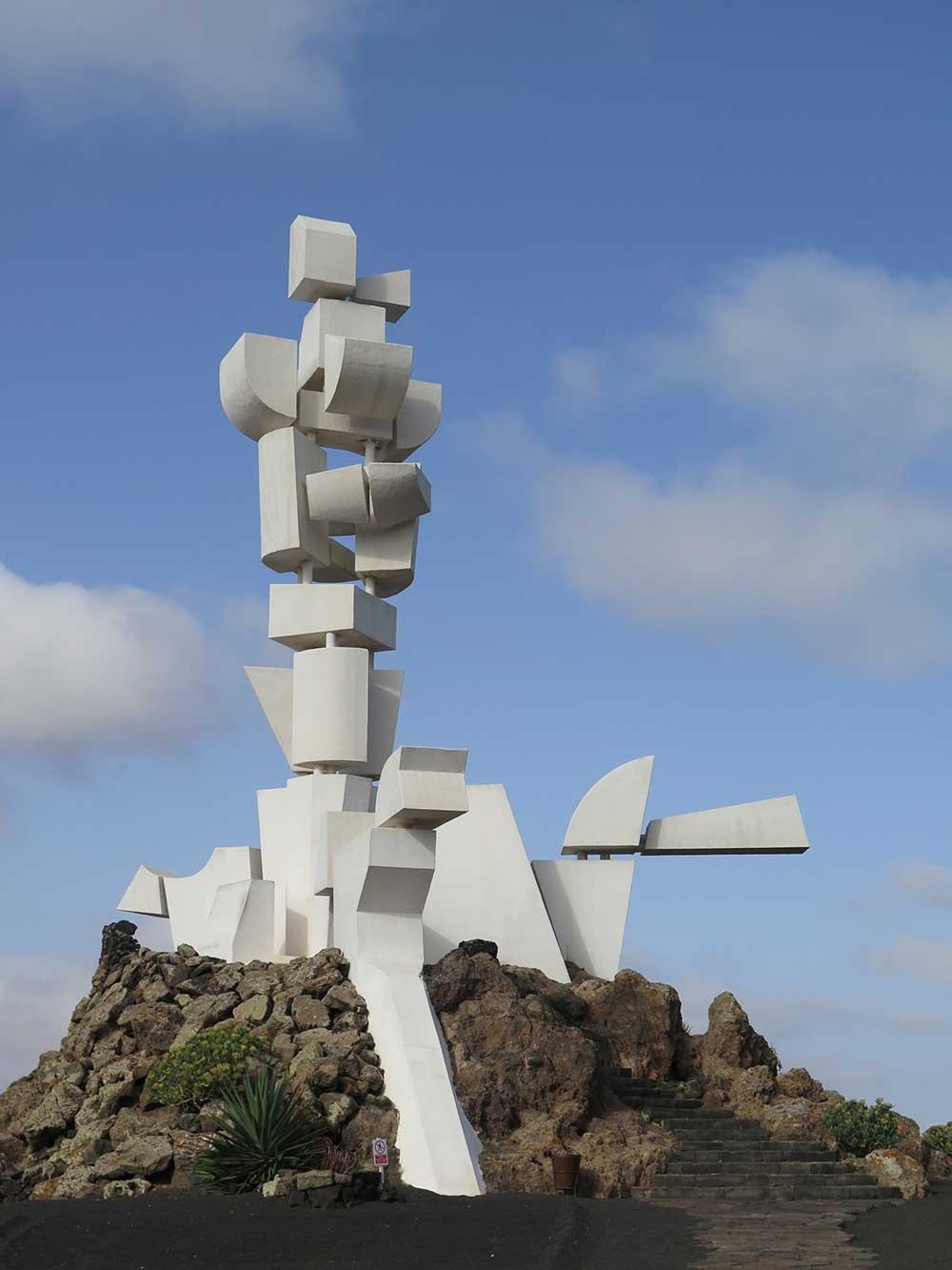 La Lanzarote de César Manrique y Jesús Soto - Monumento Fecundidad