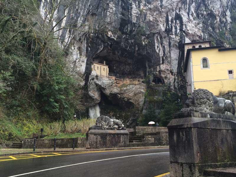Leones guardianes de Covadonga