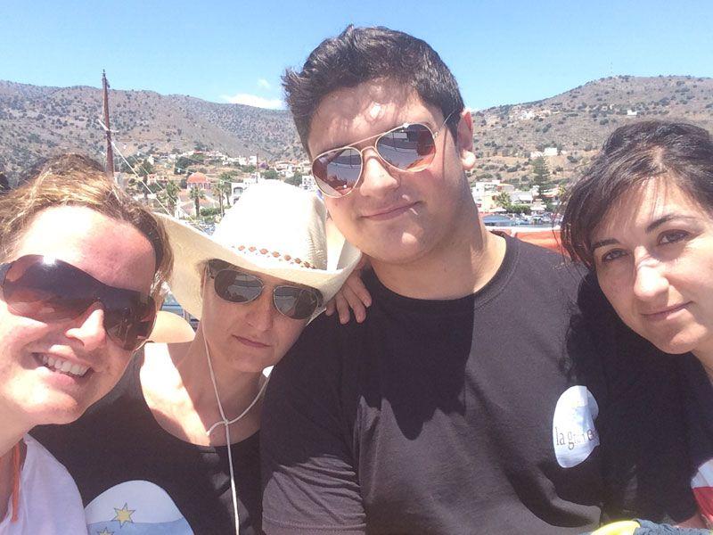 Los 4 fantásticos listos para visitar la Isla de Spinalonga :)