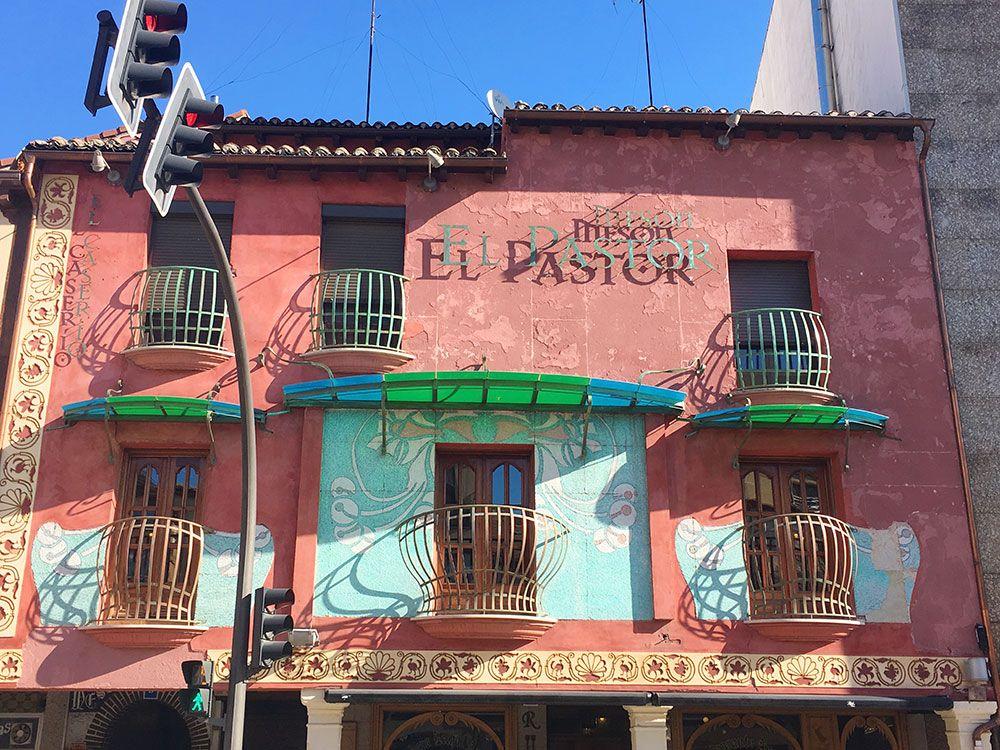 Los mejores bares de Aranda de Duero - Fachada del Mesón El Pastor