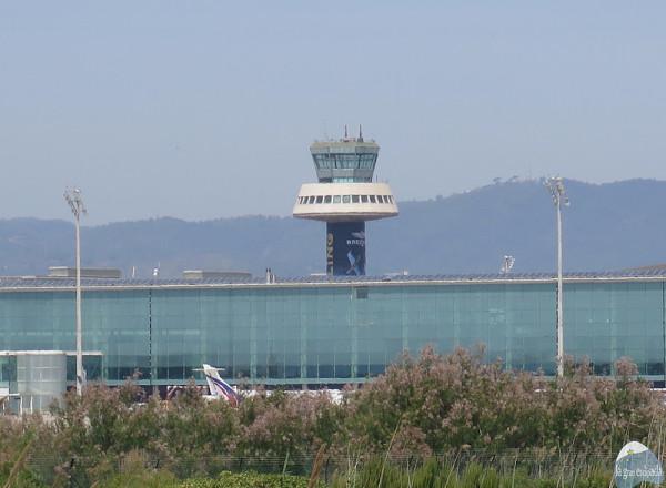 Torre de control del aeropuerto del Prat