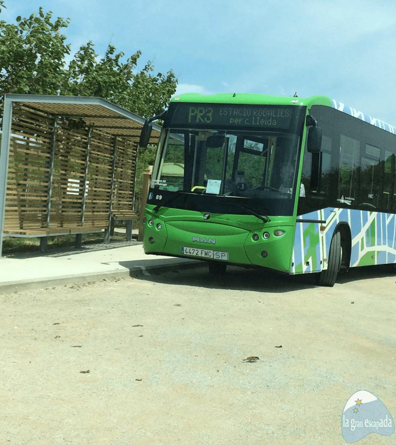 Autobús de la Línea PR3 para ir al mirador de aviones del Prat de Llobregat