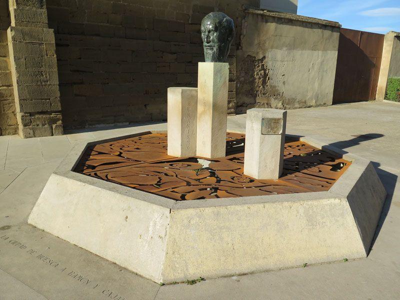 Monumento en honor a Ramón y Cajal