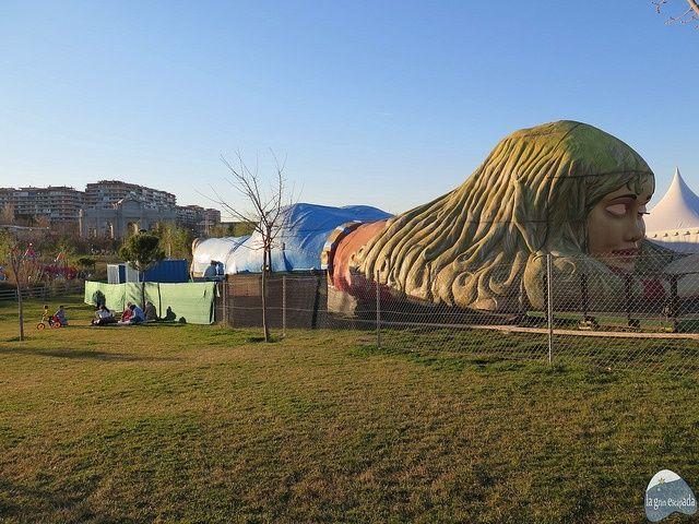 Atracción Mujer Gigante del Parque Europa Madrid para conocer el cuerpo humano