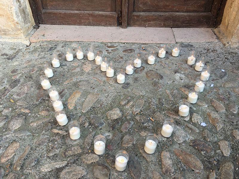 Noche de las Velas de Pedraza - Corazón hecho con velas