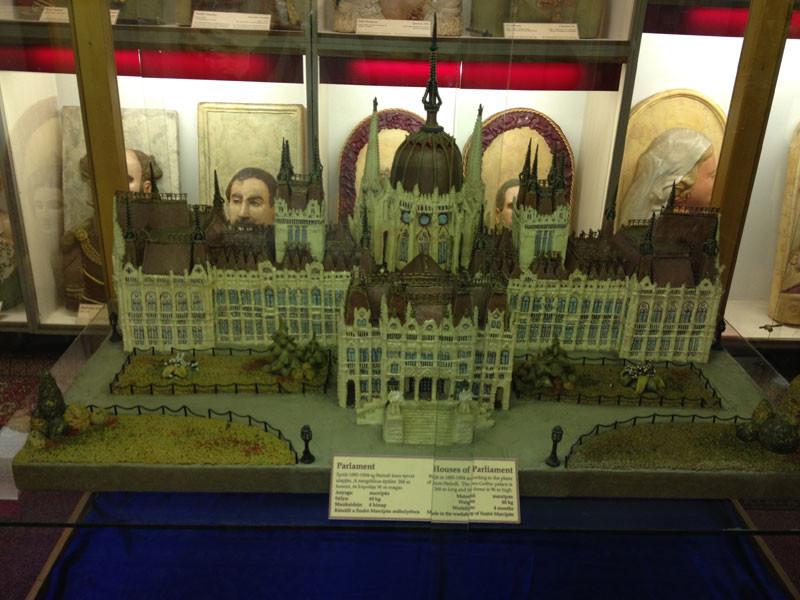 El Parlamento de Budapest  hecho con mazapán