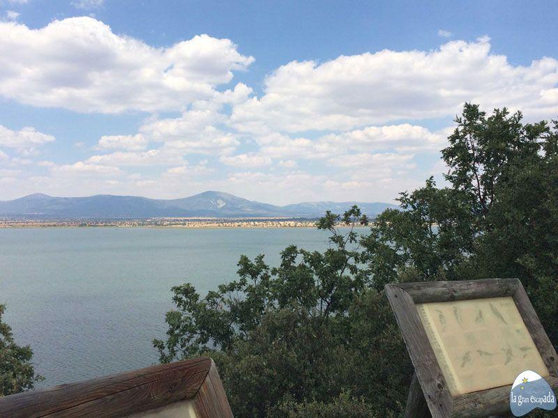 Mirador desde donde contemplar el embalse Torre de Abraham en el Parque Nacional de Cabañeros