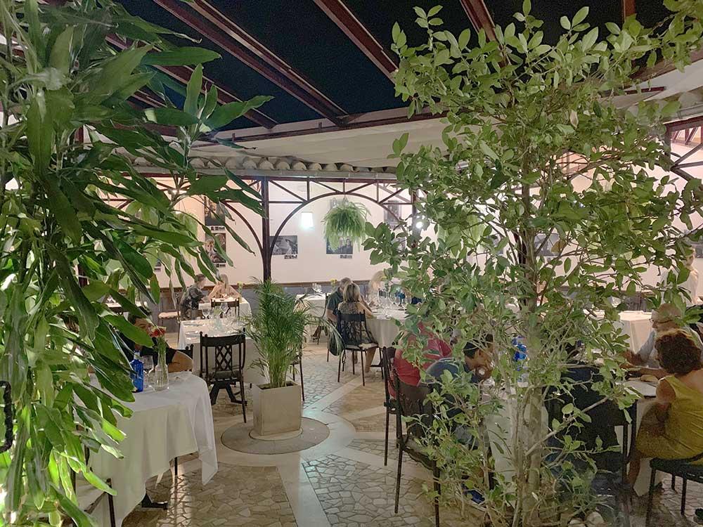 Patio interior del Restaurante El Pregonero