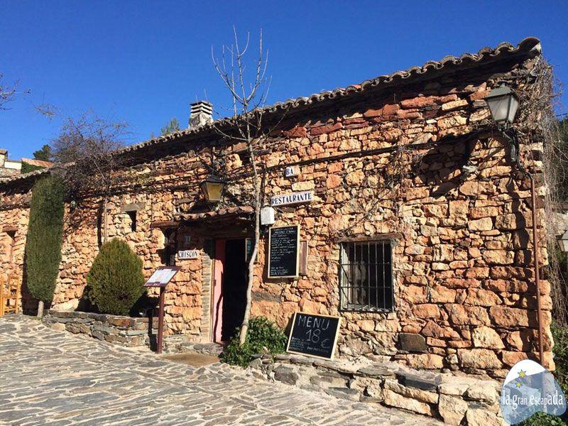 Fachada del restaurante El Chiscón - Patones de Arriba