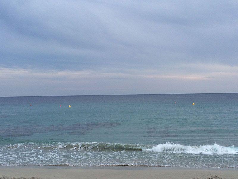 Playa de Binigaus - Menorca - Suave oleaje