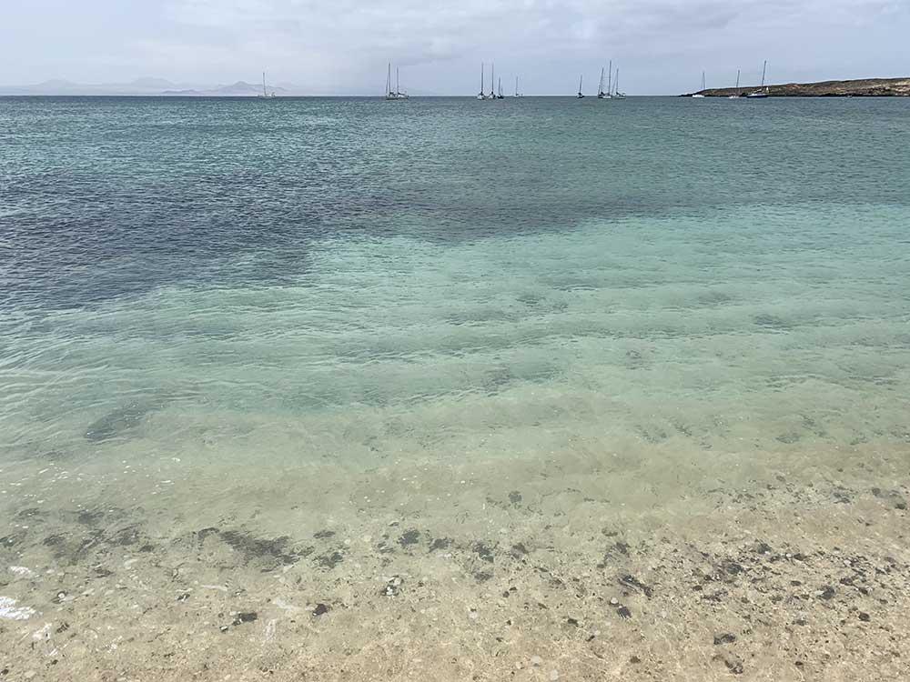 Aguas turquesa y cristalinas de la Playa de La Francesa