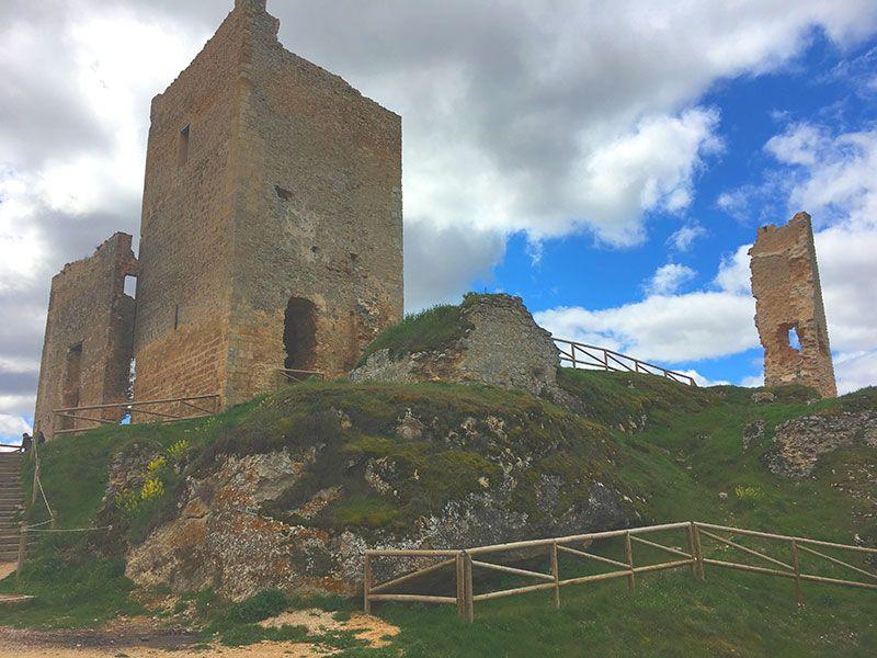 Pueblo medieval de Calatañazor - Soria - Castillo