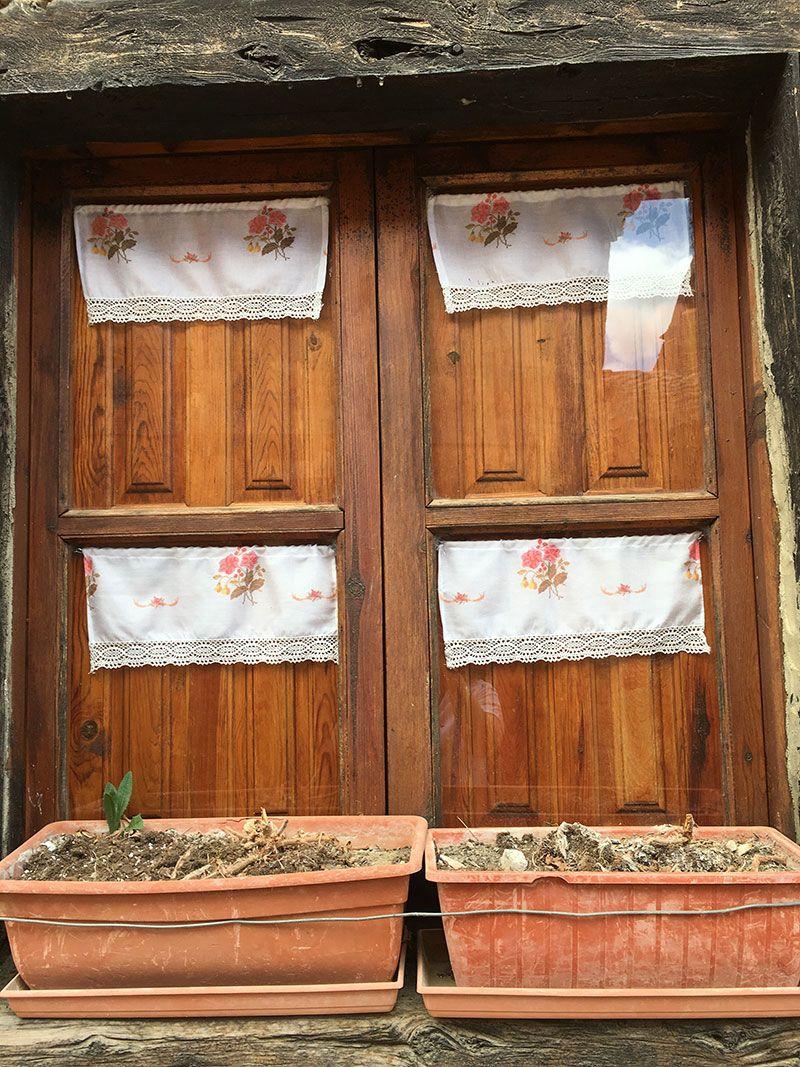 Qué ver en Calatañazor - Soria - Coqueta ventana