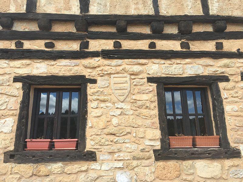 Pueblo medieval de Calatañazor - Soria - Fachada tradicional