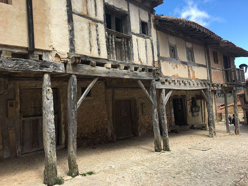 Pueblo medieval de Calatañazor - Soria - Sotoportales
