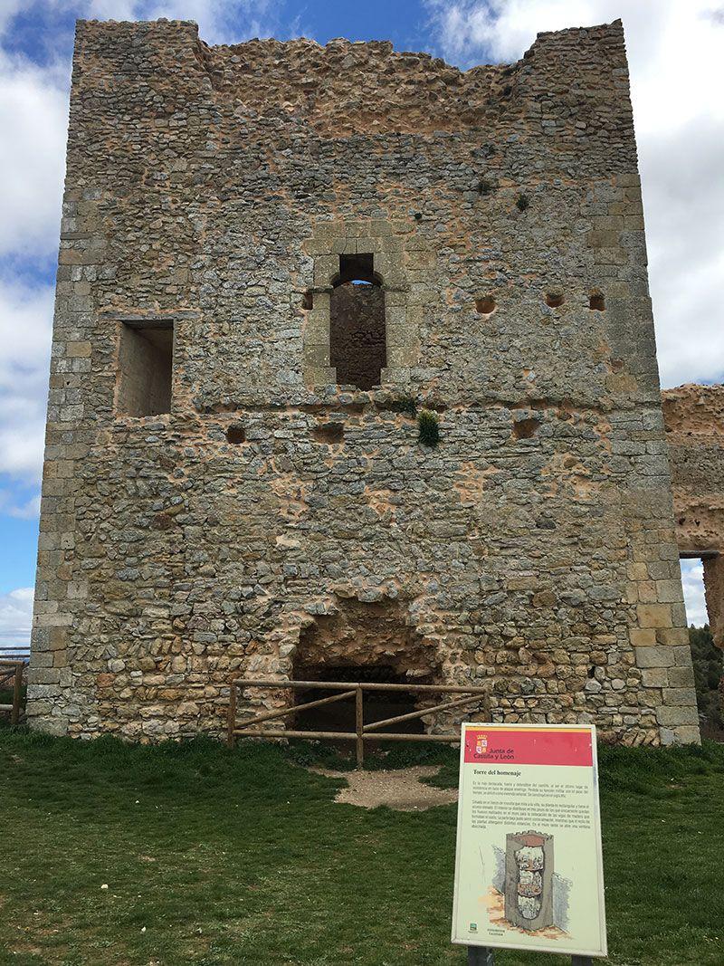 Pueblo medieval de Calatañazor - Soria - Torre del Homenaje