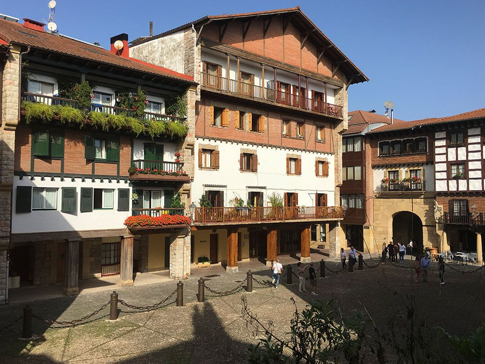 Los pueblos más bonitos de la Costa Vasca - Hondarribia - Fachadas