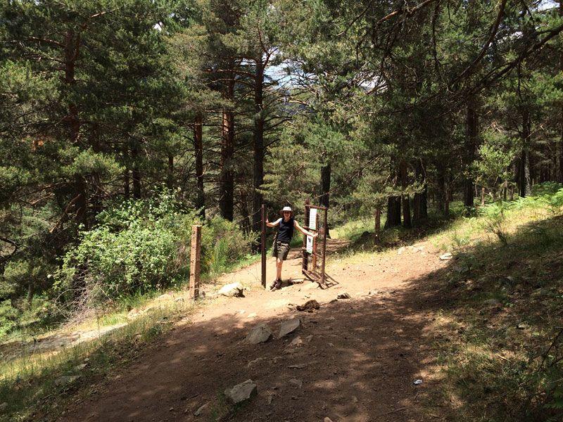 Puerta metálica a 1km del final de la ruta