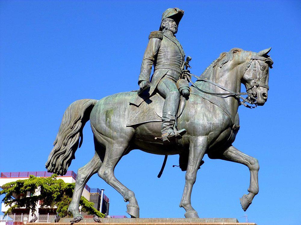 Qué ver en Logroño en dos días - Estatua de El Espartero