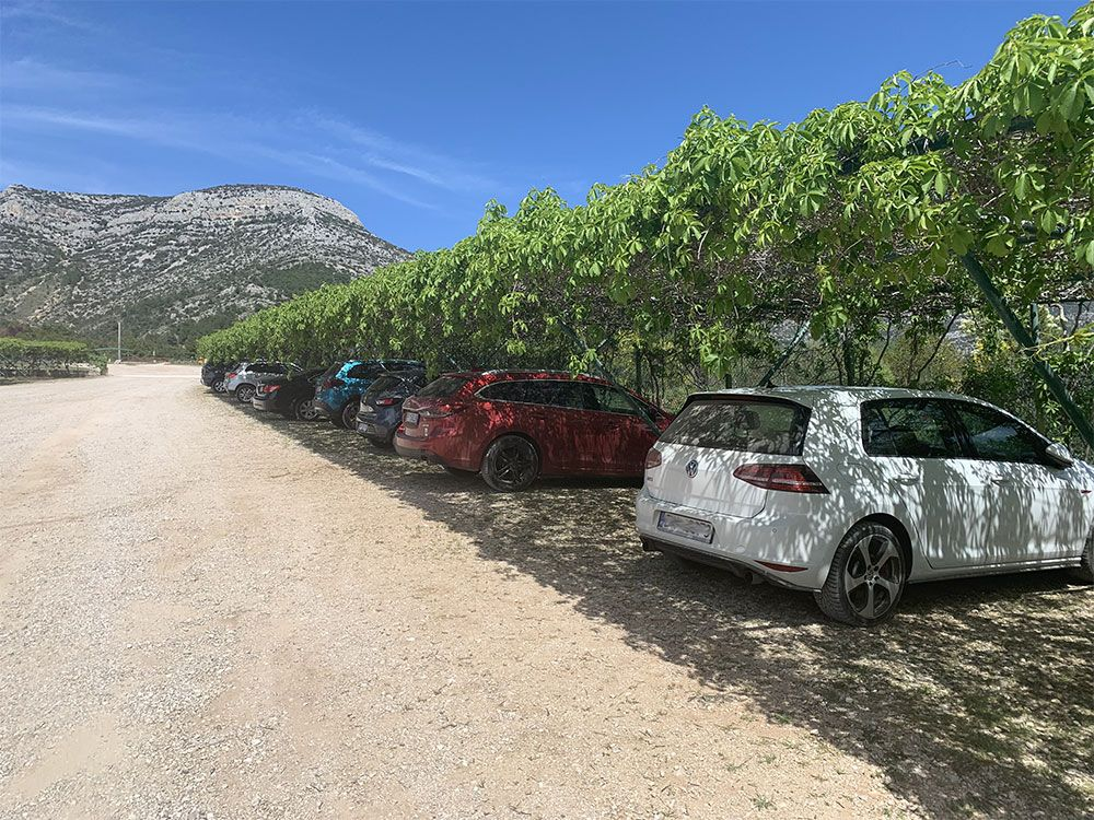 Parking de Zlatni Rat