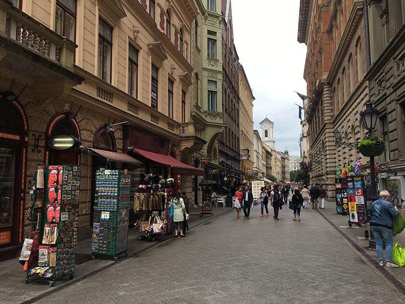 Qué ver en Budapest en 2 días - Váci Utca