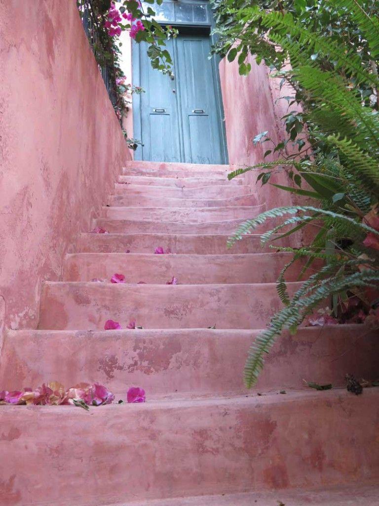 Qué ver en Chania - Escalera rosada en el barrio judío de Ovriaki