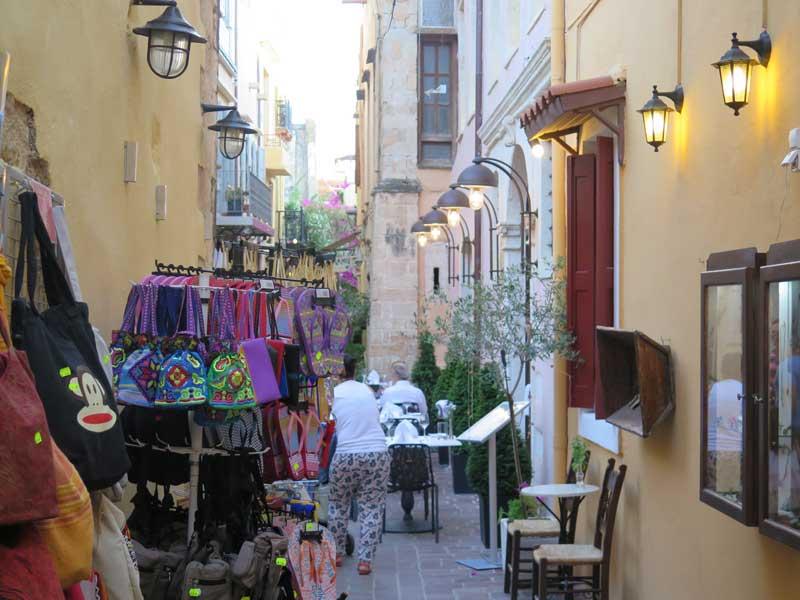 Tiendas en el barrio de Kasteli