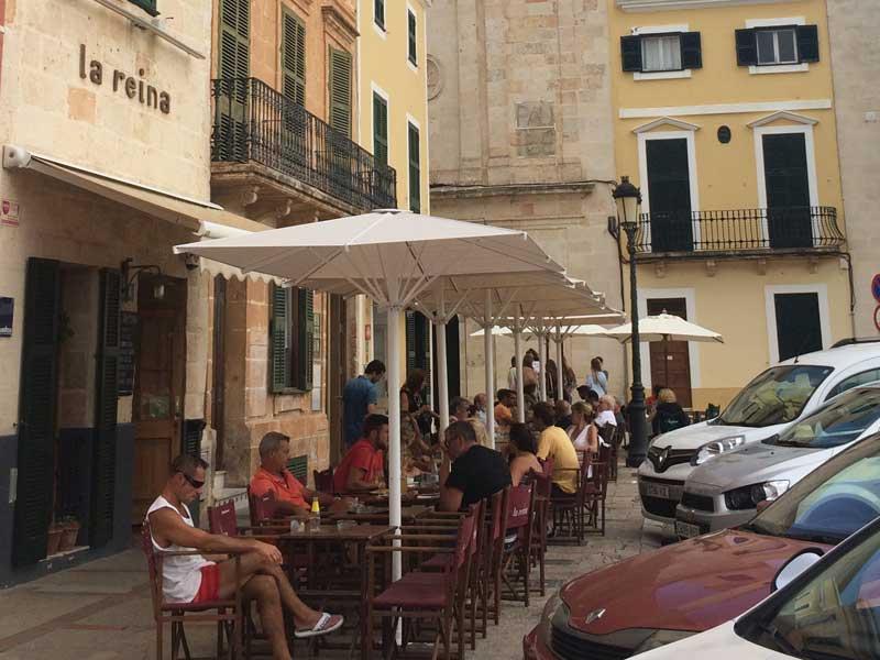 Que ver en Ciutadella - Bar La Reina. Plaça des Borne