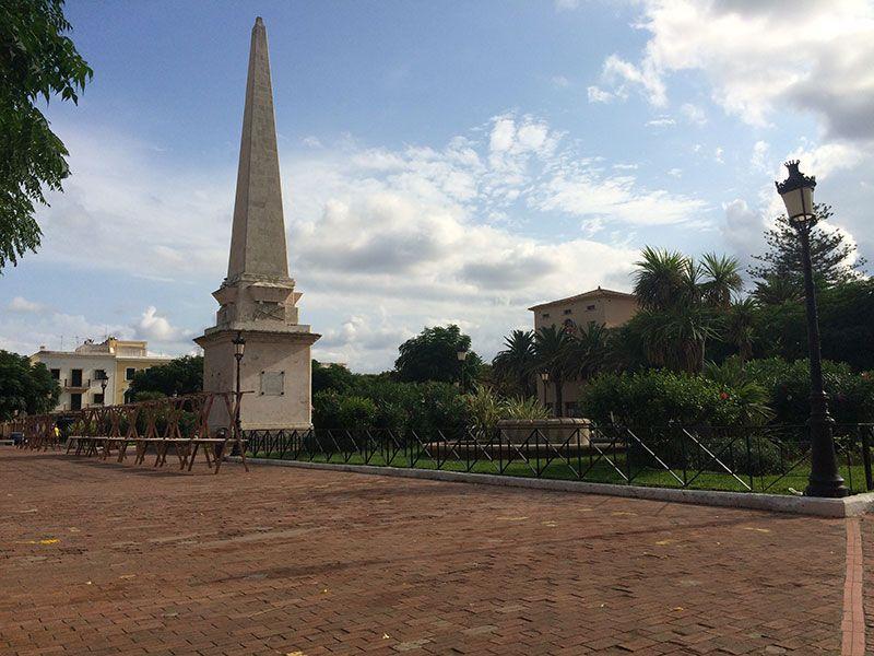 Que ver en Ciutadella - Obelisco