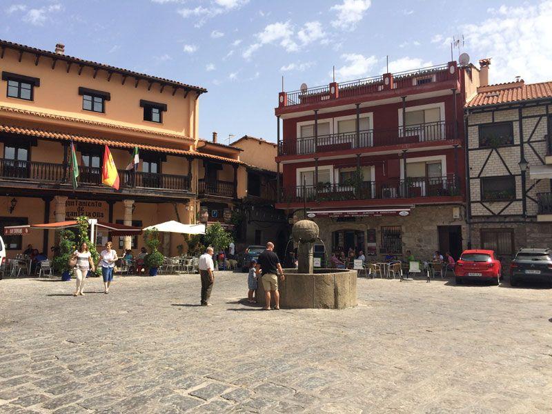 Qué ver en Garganta La Olla - Plaza Mayor