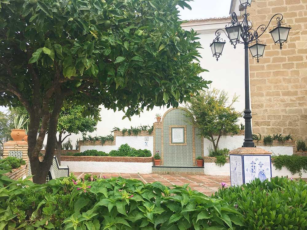 Qué ver en Iznájar - Plaza de Rafael Alberti