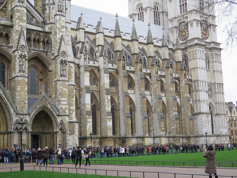 Qué ver en Londres en dos días - Iconos de la ciudad - Cola de acceso Abadía Westminster