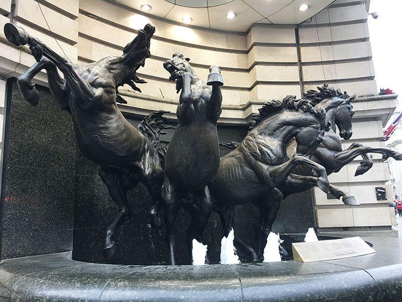 Qué ver en Londres en dos días - Iconos de la ciudad - Los Cuatro Caballos de Helios