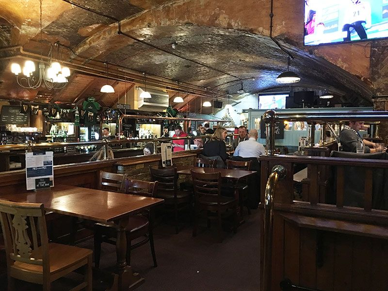Qué ver en Londres en dos días - Iconos de la ciudad - Pub The Minories